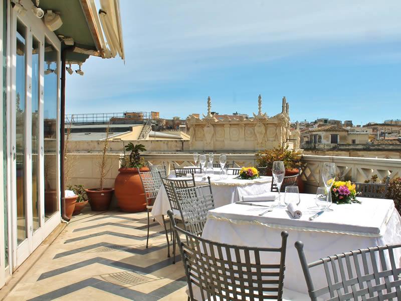 Restaurant la terrazza sul mare syracuse island of ortigia sr